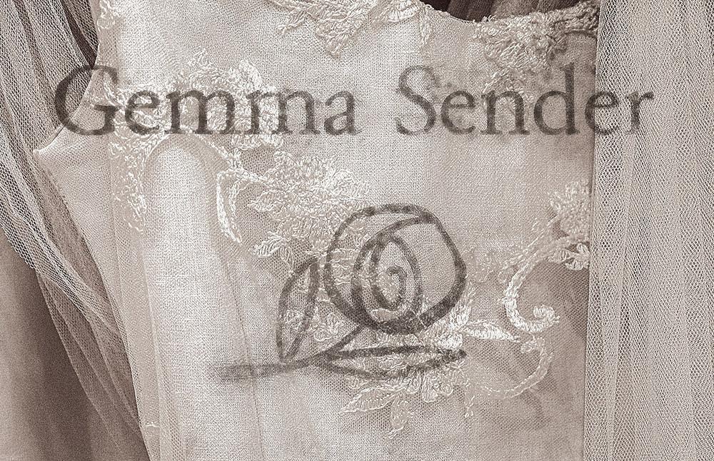 Gemma Sender, un ángel entre sedas